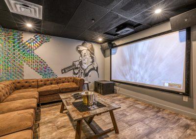2k-Karaoke-Room